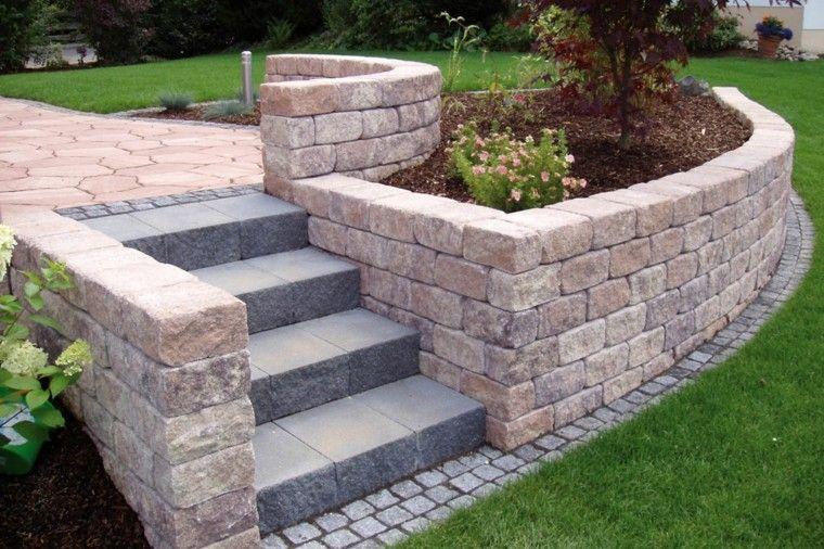 jardin moderno niveles escaleras cesped ideas