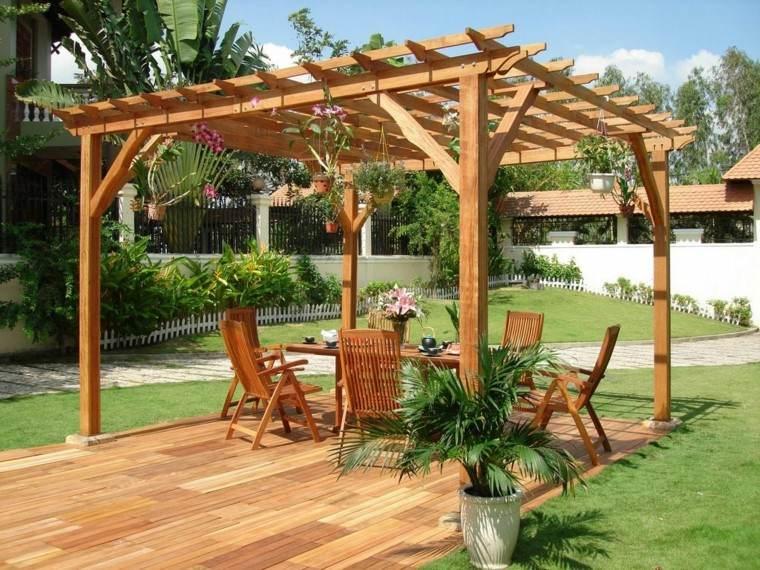 jardin pergola madera macetas colgantes cesped ideas