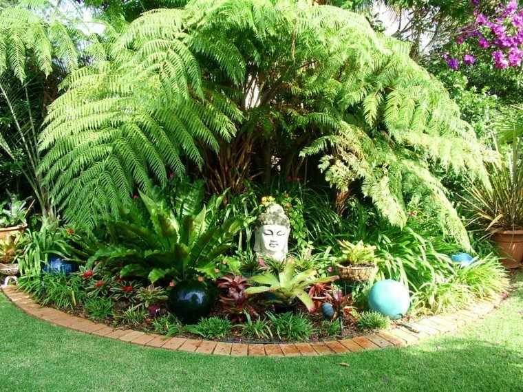 Jardines peque os y patios traseros de dise o nico for Paisajismo jardines con piscina
