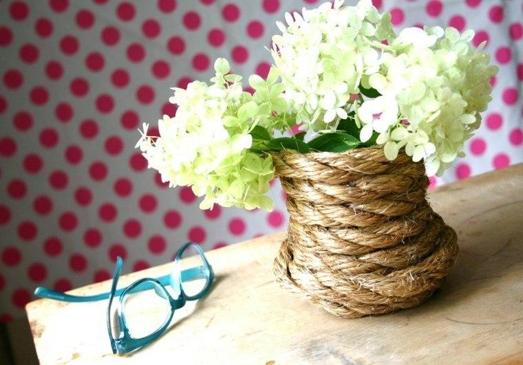 jarron pequeño decorado cuerda