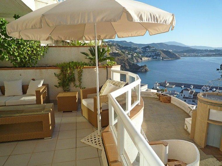 Las terrazas modernas que no te puedes perder - Muebles para terraza pequena ...