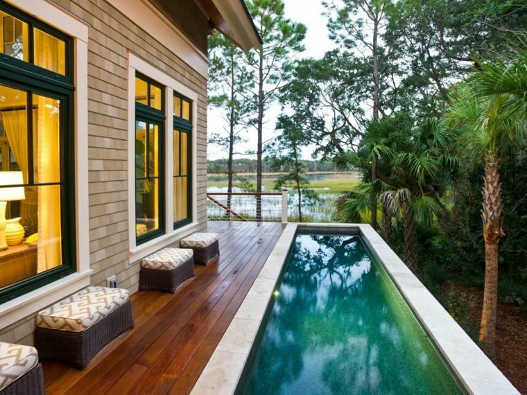 lateral piscina madera asientos casa