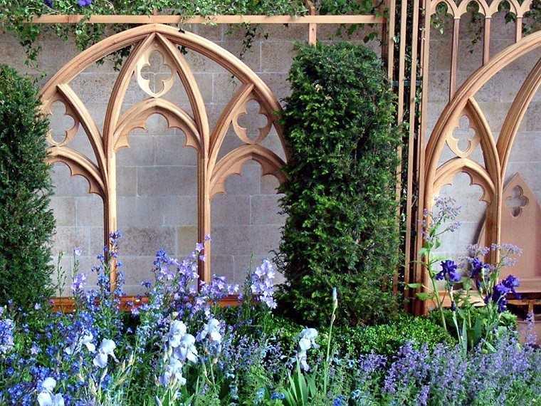 lavandas flores violetas valla jardin