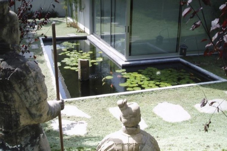 loto jardin estanque decoracion estatuas
