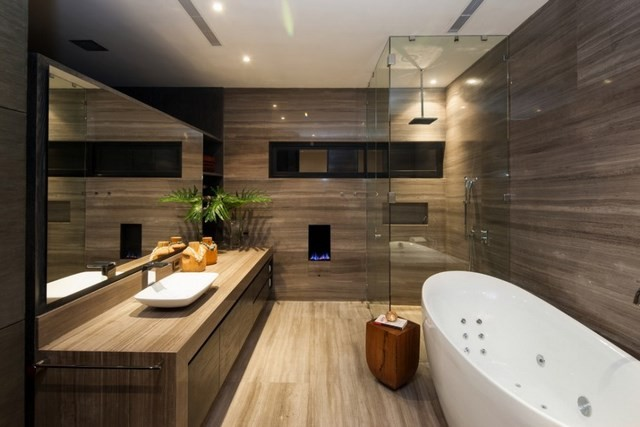 madera bañera ducha plato plano