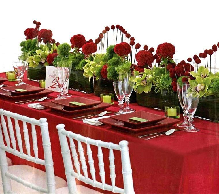 mantel rojo flores diseño contraste