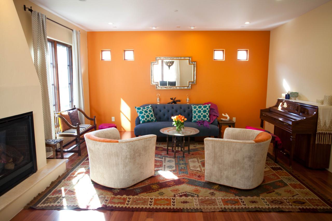 maruecos alfombra pared narranja azul sofa piano