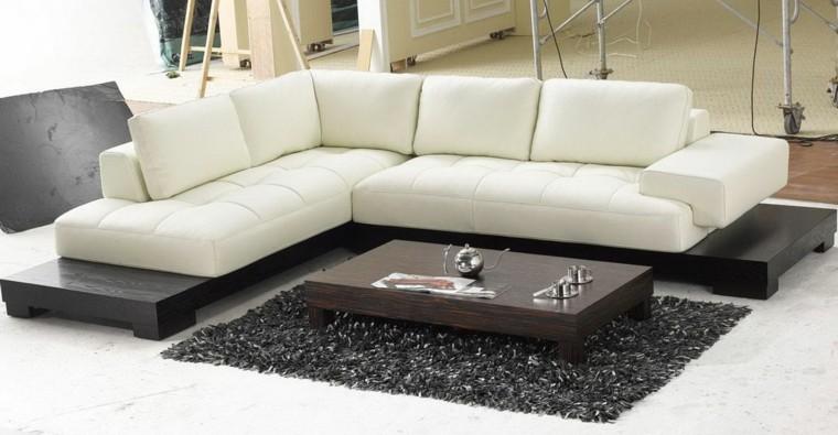 mesa cojines blanco alfombra madera