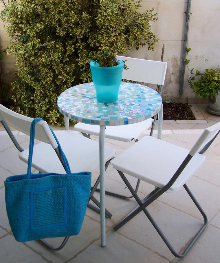 mesa pequena jardin encimera azul bonita moderna