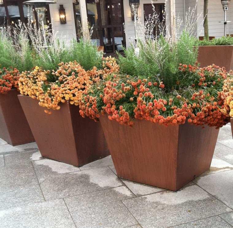 metal acero publico espacio flores