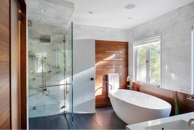 moderno baño vidrio plantas madera led
