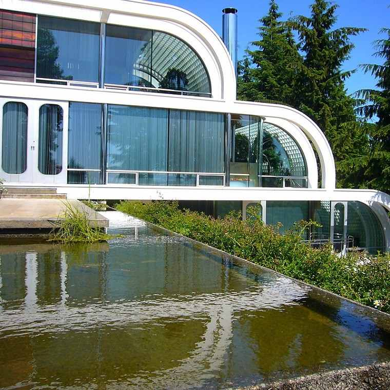 moderno diseño estanque cristales plantas