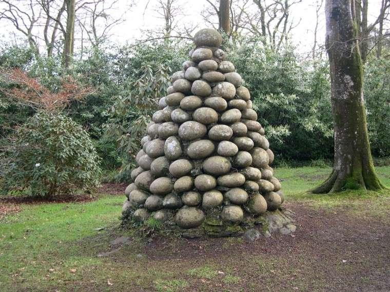 montaña de piedra jardin