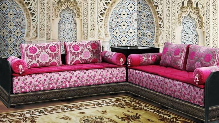 mosaico paredes sofa rosa vibrante estilo marroqui ideas