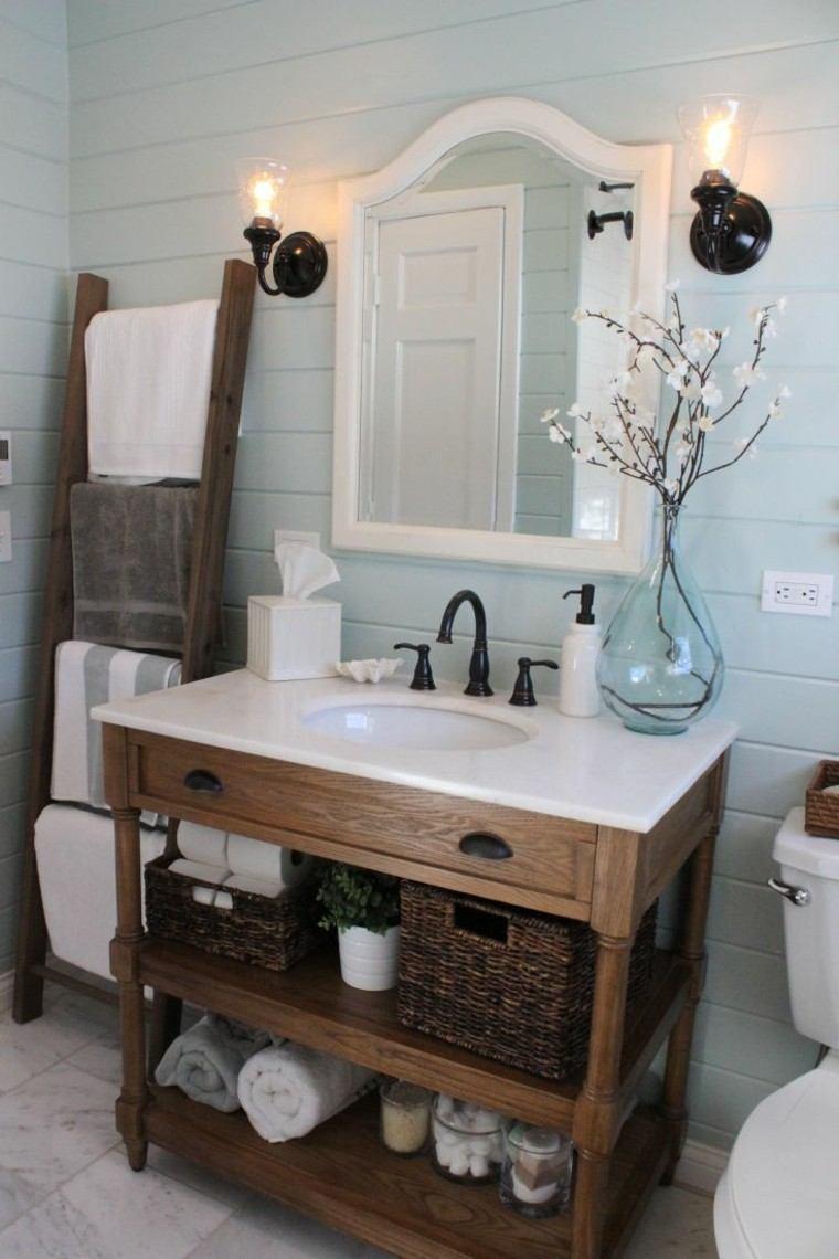 mueble madera lamparas toallero pastel