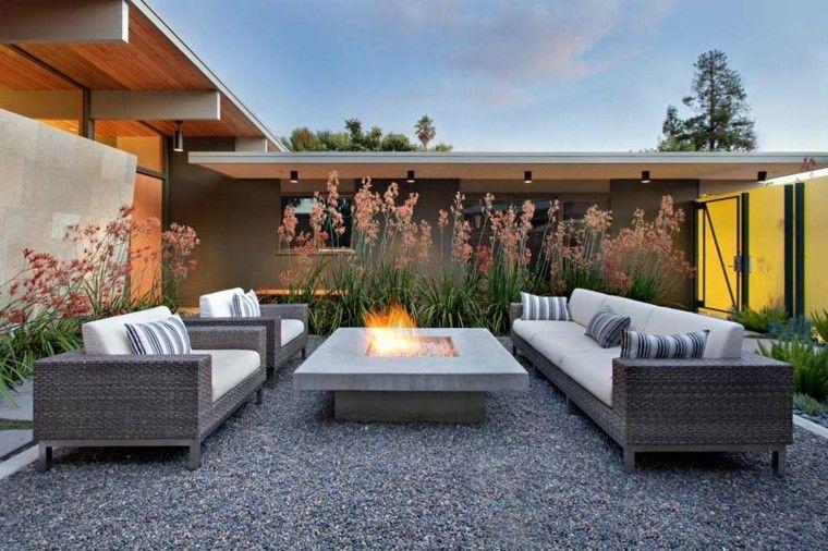 muebles patio fuego flores mobiliario