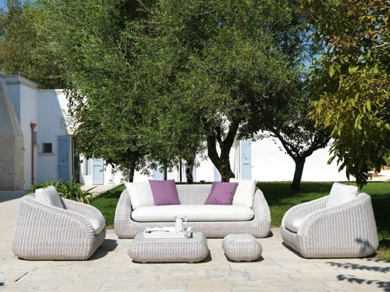 muebles rattan comodos color gris cojines modernos