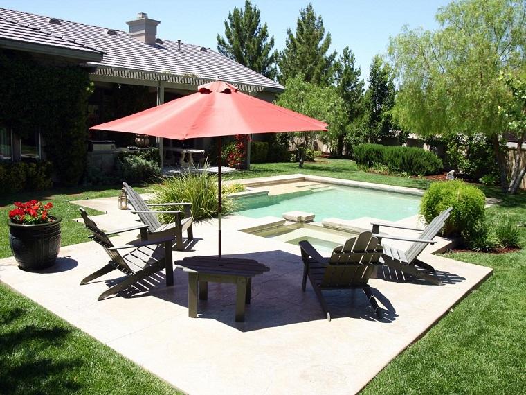 Sombrillas jard n para los d as soleados de verano - Tumbonas piscina ...