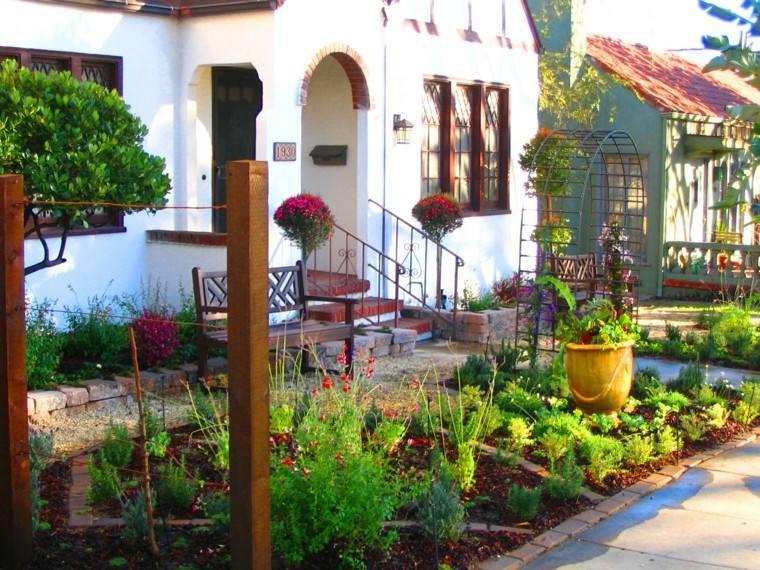 paisajismo patio estilo rústico tradicional
