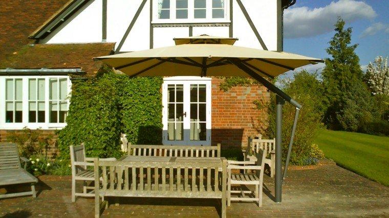 parasoles jardin muebles madera terraza
