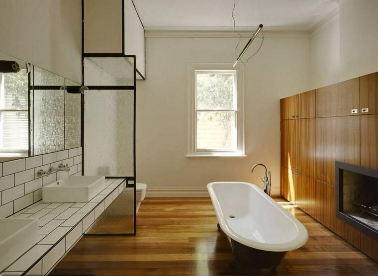 pared bañera piso cuarto estufa
