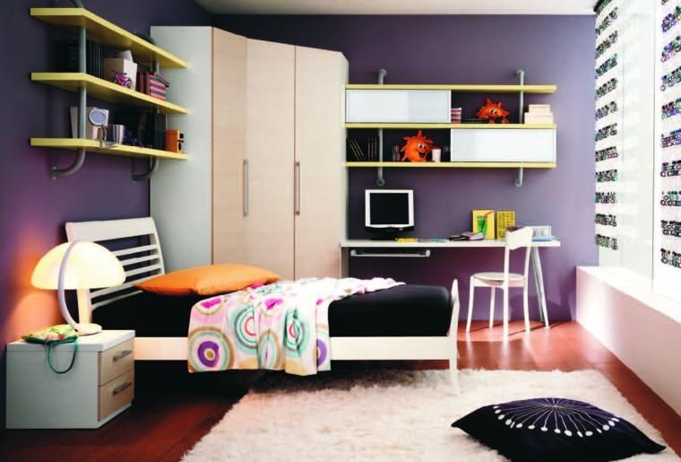 pared lila cama negra moderna