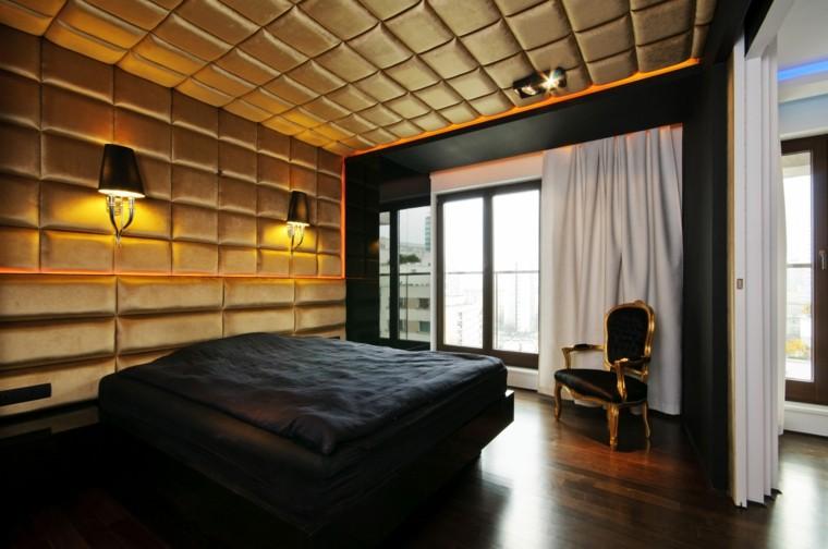 cama color negro techo acolchado dorado