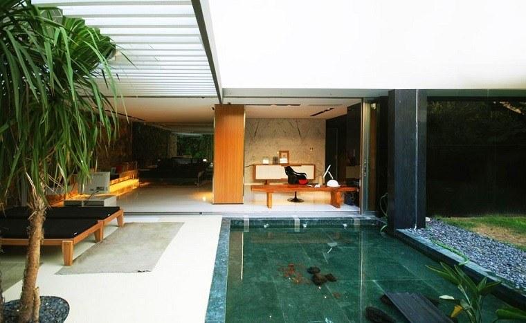 Arquitectura y dise o de jardines modernos - Piscinas en patios interiores ...