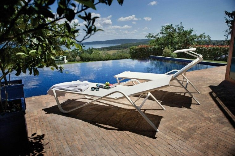 patio madera cojines ajustable gafas terraza