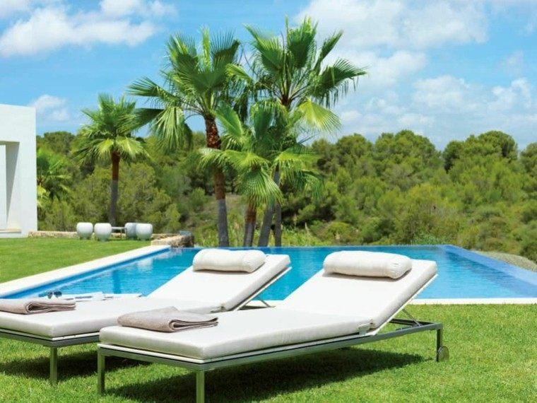 patio madera cojines ajustable hierba palmeras