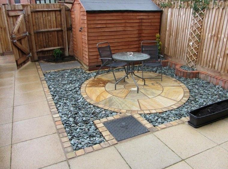 patio terraza guijarros planos negros