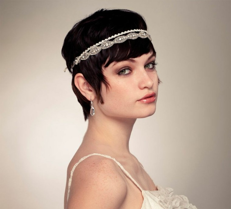pelo corto flequillo novia retro