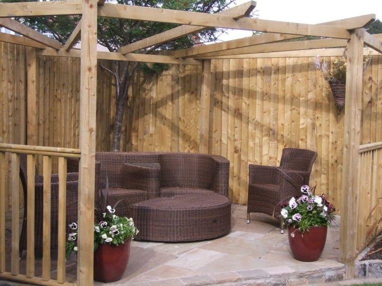 pérgola jardín muebles mimbre marrón