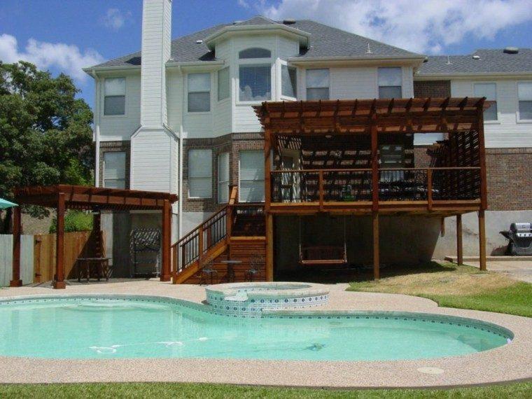 pérgola piscina terraza madera cesped