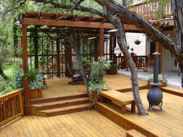 Pergolas jardin de madera una zona de recreo ideal - Plantas para pergolas ...