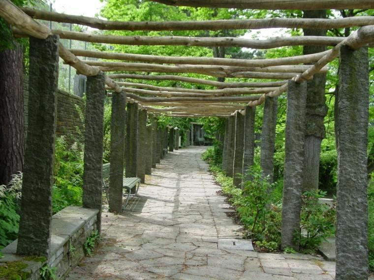 pérgolas troncos madera flotante natural