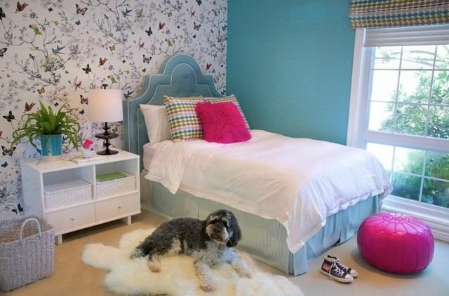 perro decoración habitación mariposas plantas