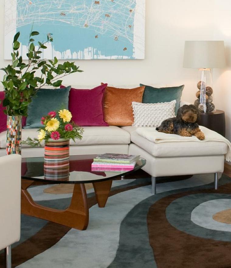 perro sofa lampara piedras bolas