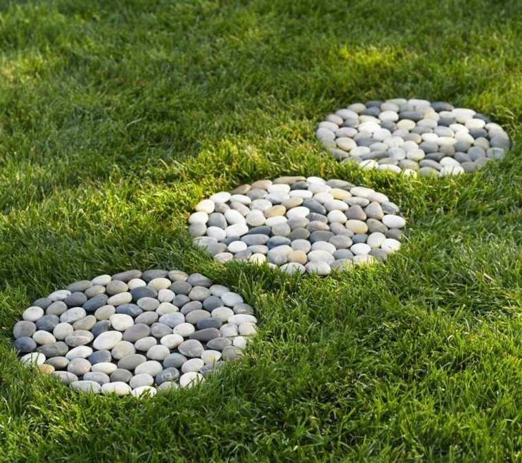 piedras circulos tres jardin deco