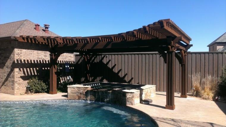 piscina terraza agua cascada muro