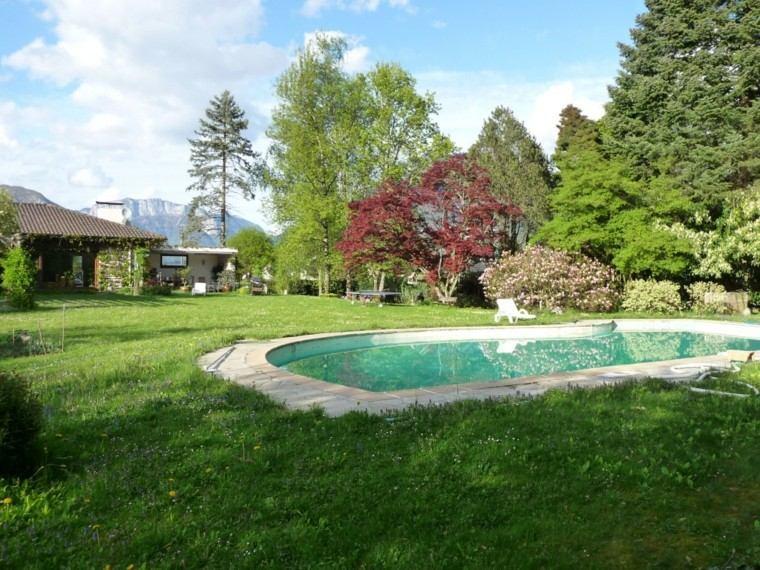 piscinas para jardín arboles montañas casa