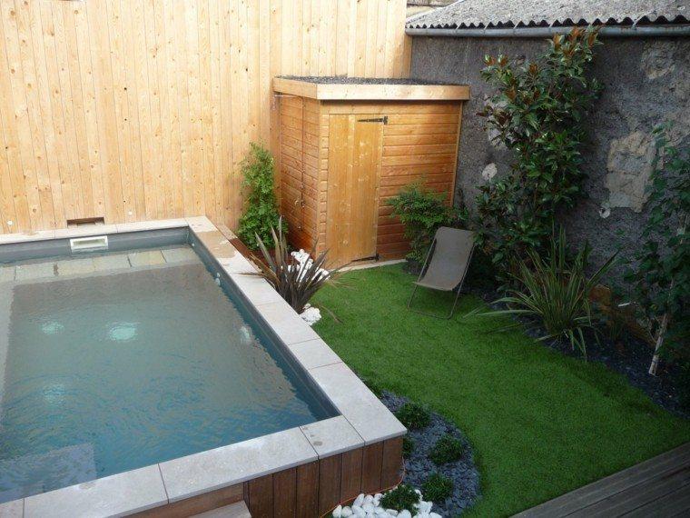 Piscinas para jard n un oasis en tu hogar for Borde piscina hormigon