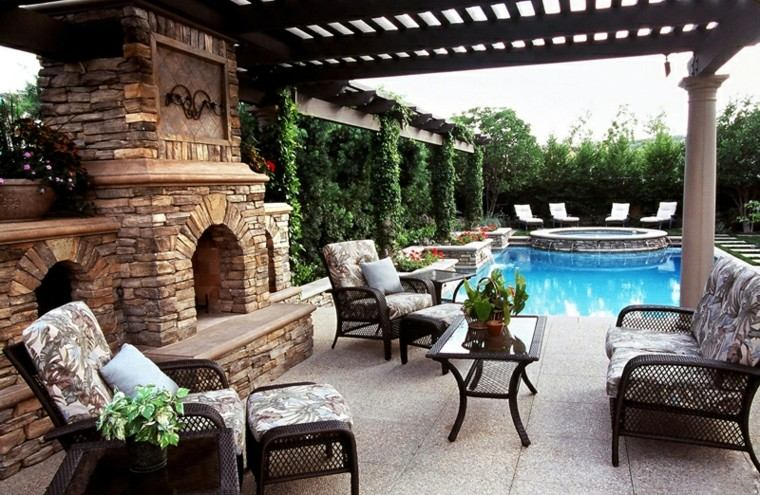 piscinas pequeñas patio chimenea piedra
