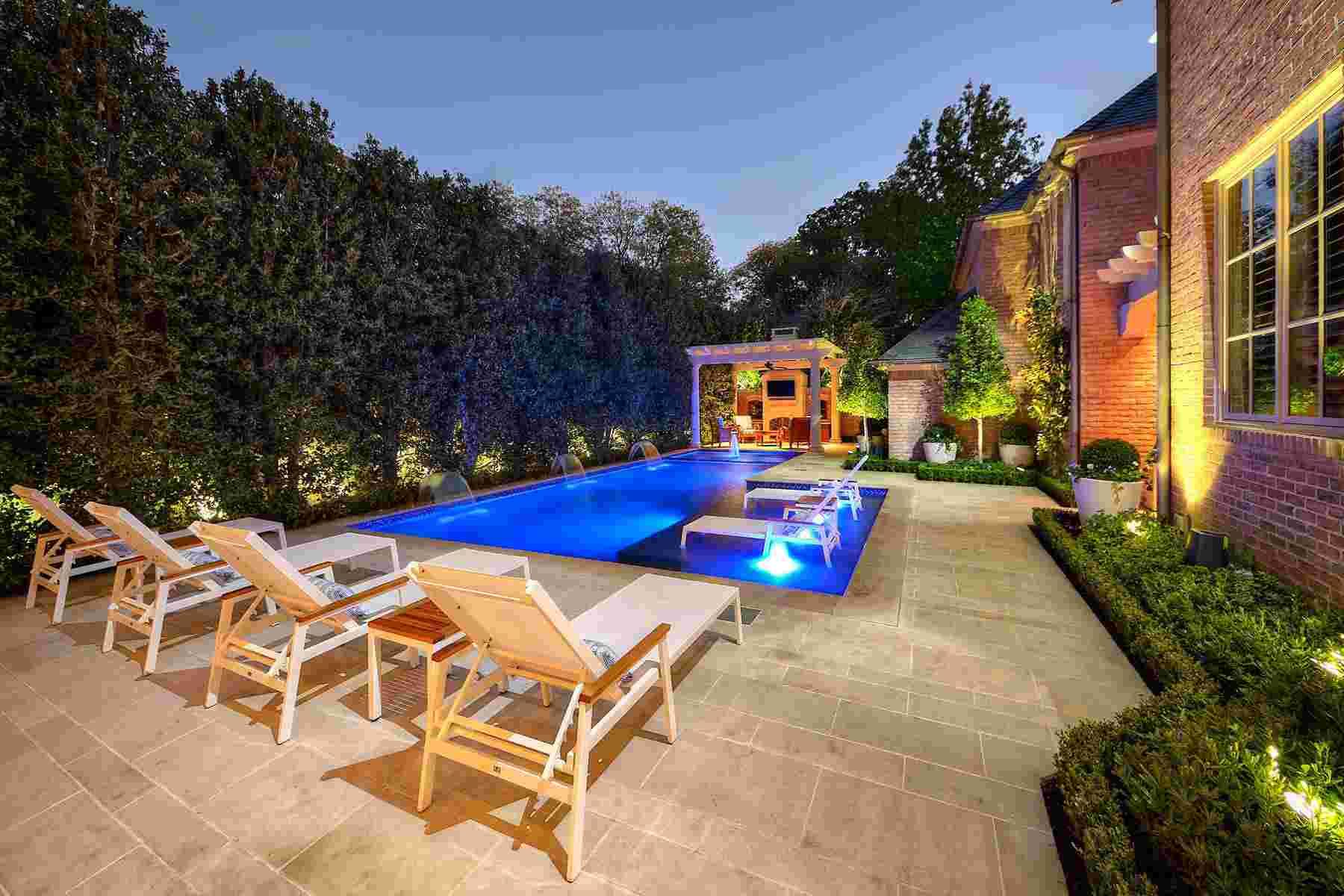 piscinas-pergolas-madera-jardin