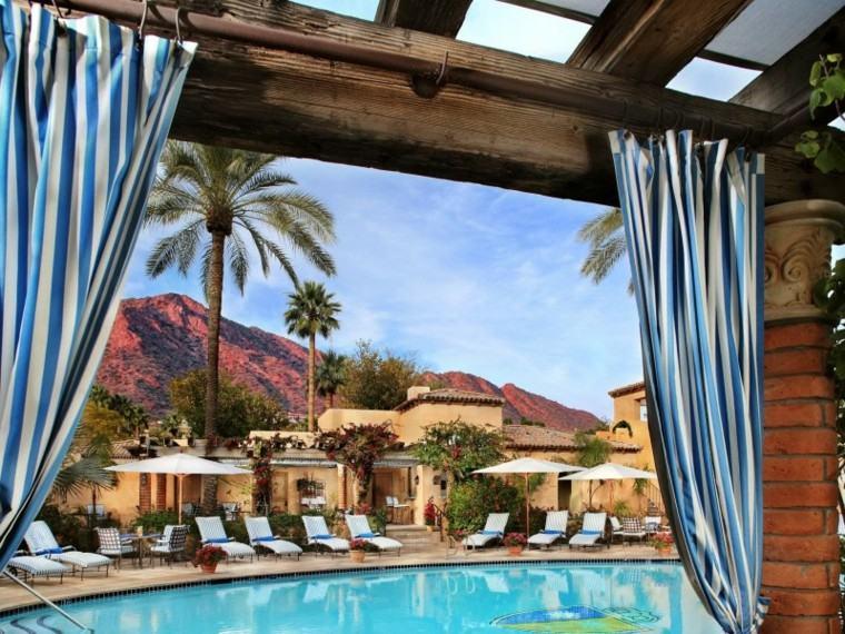 piscinas y pérgolas de madera cortinas columnas palmeras