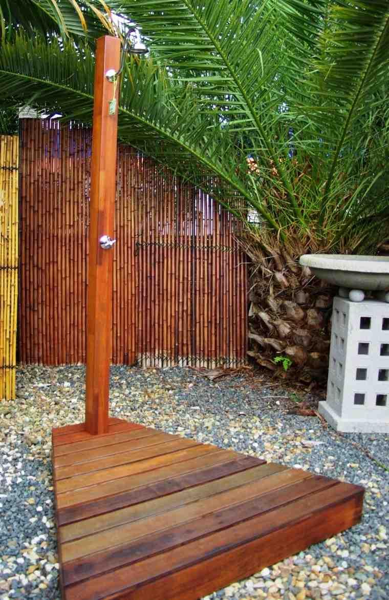plataforma madera grava bambu tropical