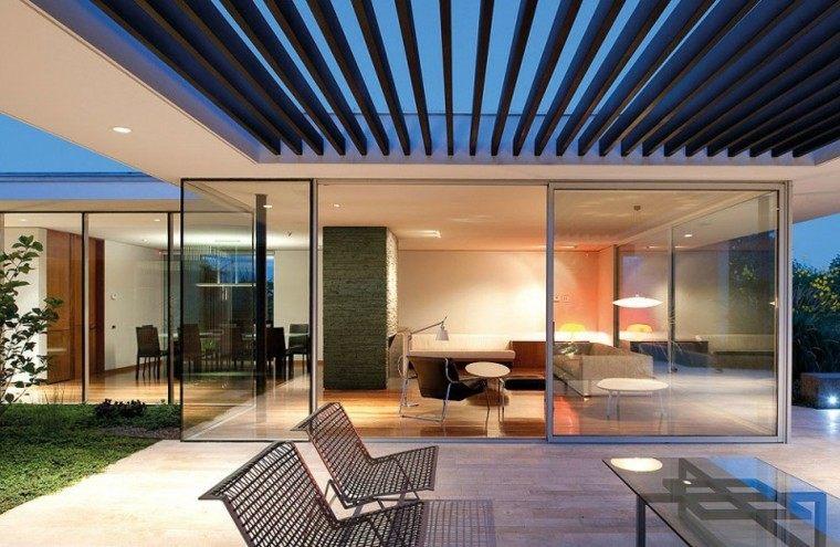 rejas banco techo metal porche