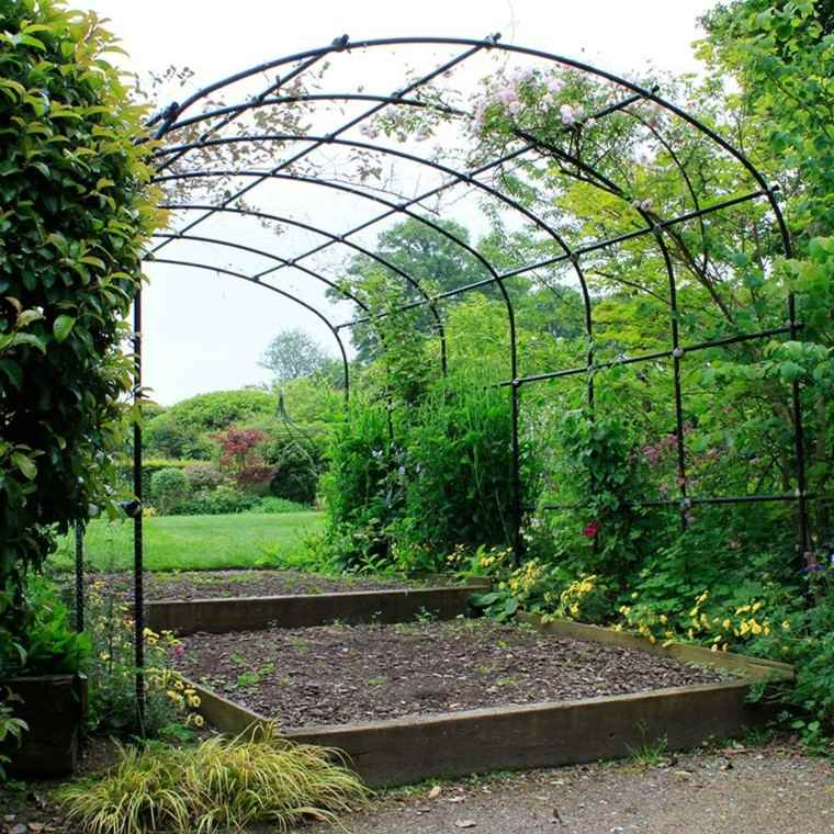 rejas meralicas plantas enredadas jardin