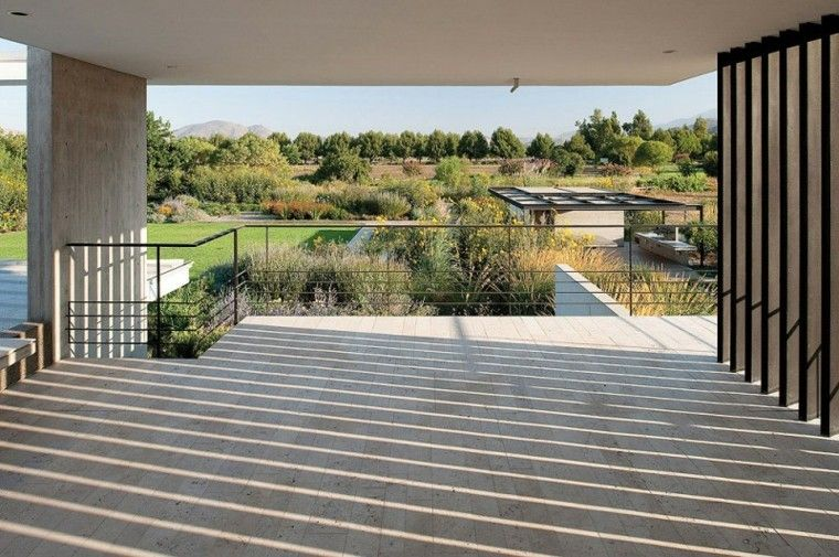 Estructuras metalicas enrejadas para exteriores for Tejabanes para terrazas