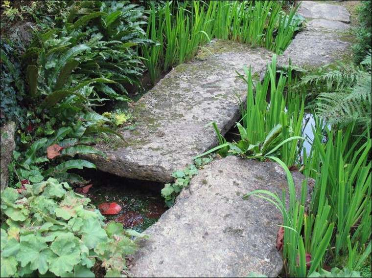 rocas grandes rectangulares jardin plantas